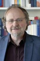 Zum 70. Jahrestag der Menschenrechte sprach Prof. Dr. Dr. h.c. Heiner Bielefeldt, ehemaliger UN-Sonderberichterstatter für Religionsfreiheit, im Haus des Evangelischen Kirchenkreises.